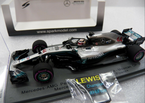 MERCEDES L.HAMILTON 2018 N.44 WORLD CHAMPION W/PIT BOARD 1:43